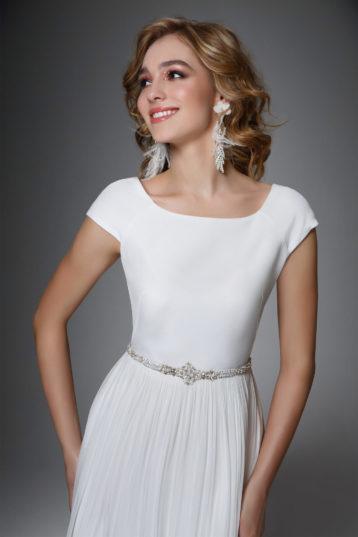 Shop online Modern & Bohemian Wedding Dresses Sadoni Shop